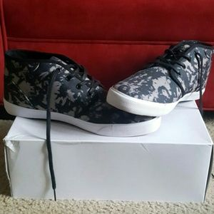 Brand new DC MEN'S SHOES.SIZES 11...FIRM PRICE